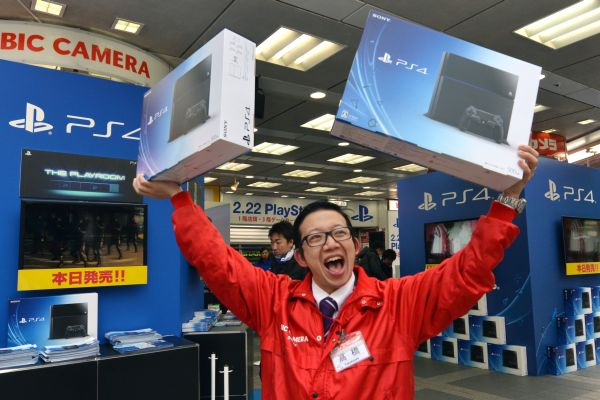 Playstation 4 в Японии